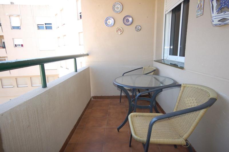 Piso en estepona inmobiliaria en benalm dena marbella y for Pisos de alquiler en estepona